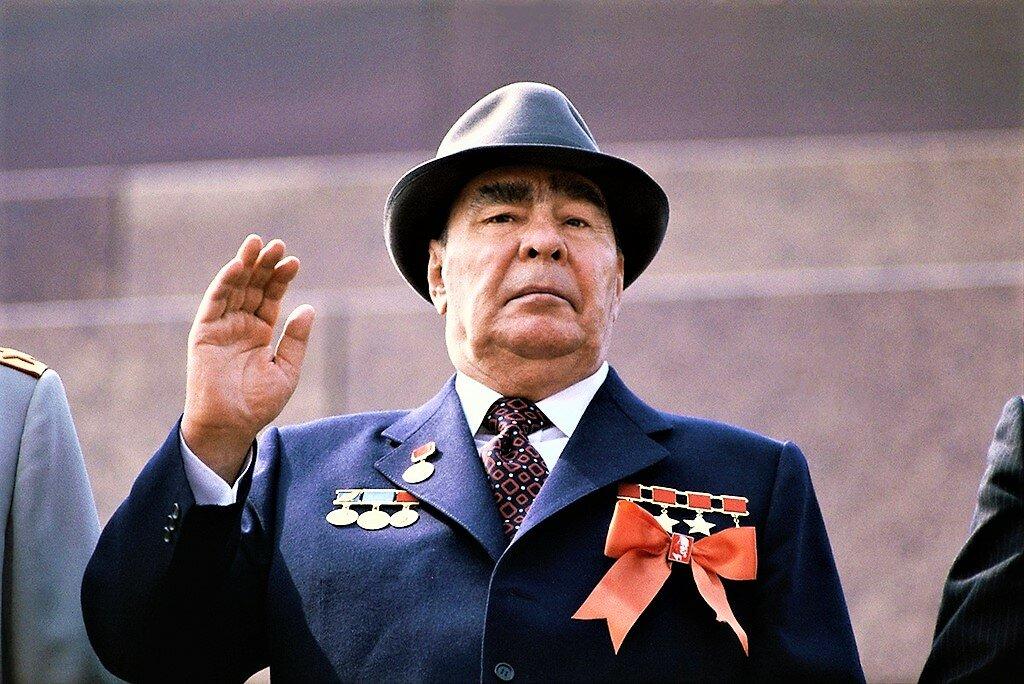 больной Леонид Брежнев стал заложником своей власти и не мог уйти на покой